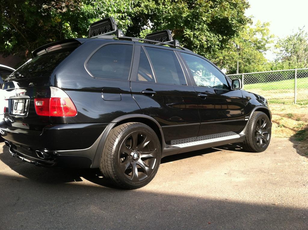 BMW-2004-E53-1