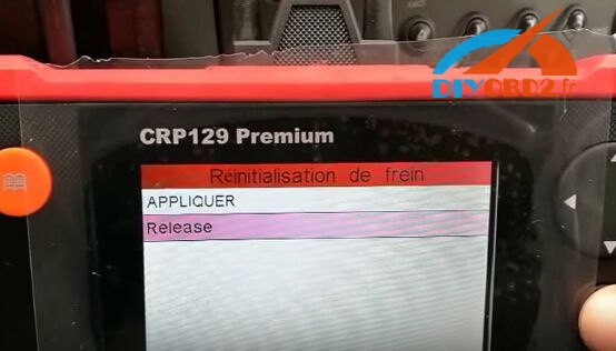launch-crp129-reset-renault-scenic-electric-brake-7