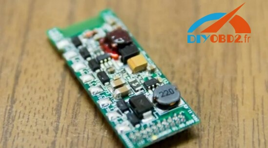 launch-m-diag-lite-pcb-board-compare-with-easydiag-4