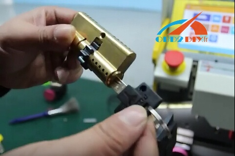 sec-e9-key-cutting-machine-cut-multi-lock-10